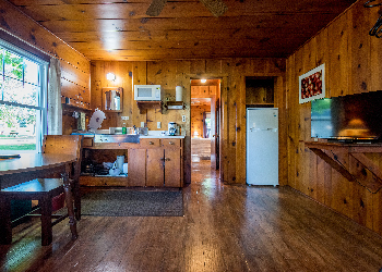 Lakeview On The Lake Erie Hotel | Waterfront Resort Cabin